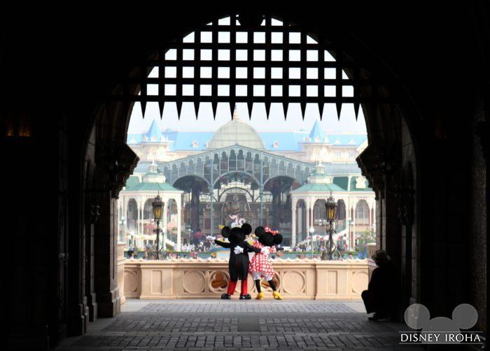 「ハッピー15エントリー」ならシンデレラ城の裏から2人を見れます