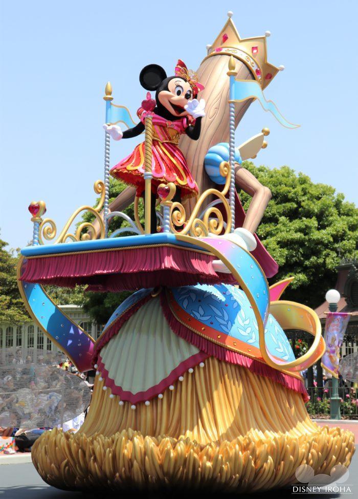 夢の世界へ導くミニーマウス