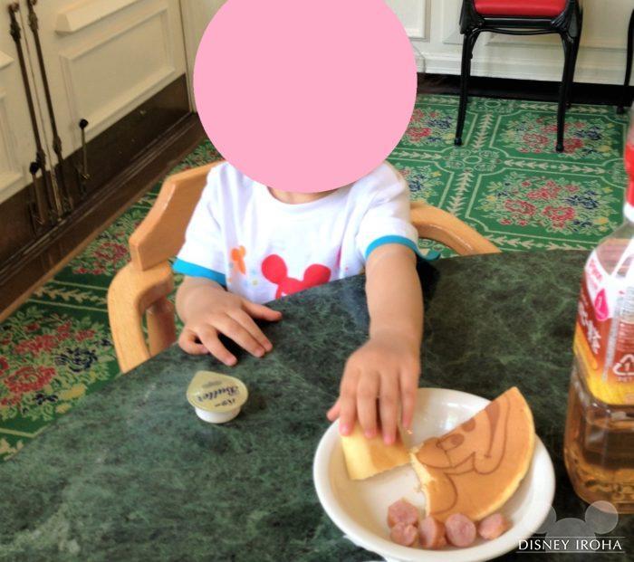 ミッキーのパンケーキはお子様にも人気