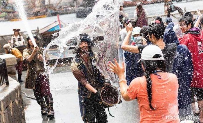 毎年夏は水を使用したエンターテイメントショーを実施