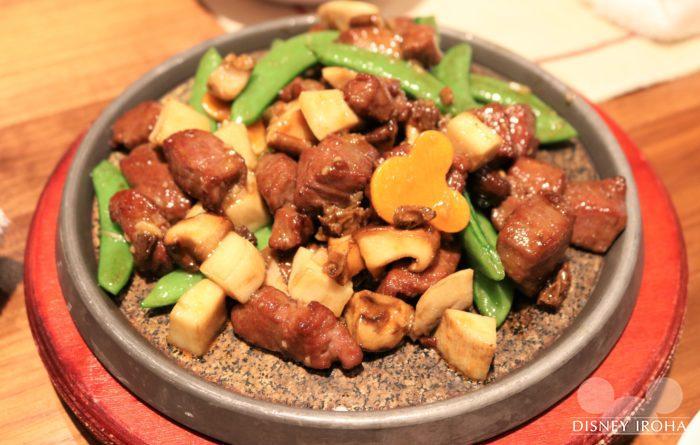 ディナーメニューの肉料理