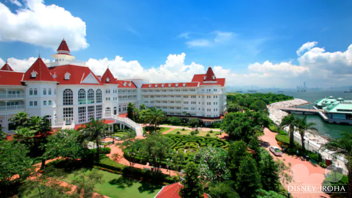 「エンチャンテッド・ガーデン・レストラン」がある香港ディズニーランド・ホテル