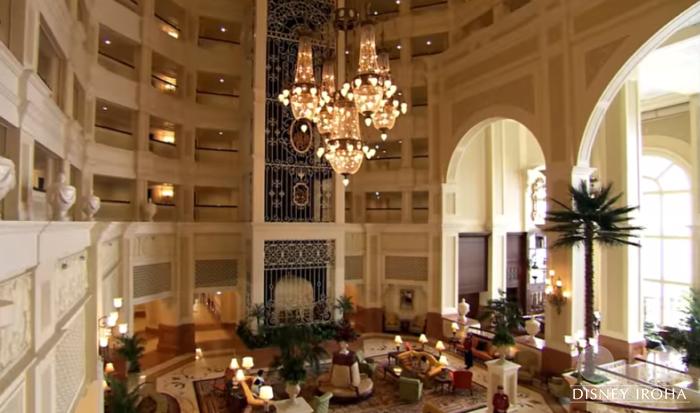東京ディズニーランドホテルのロビーと似ている