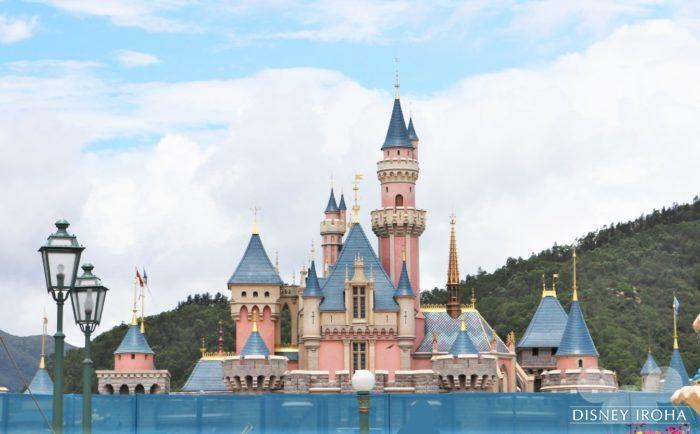 眠れる森の美女の城はリニューアル工事中