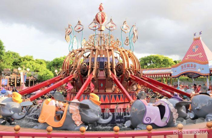 香港ディズニーランドの「空飛ぶダンボ」