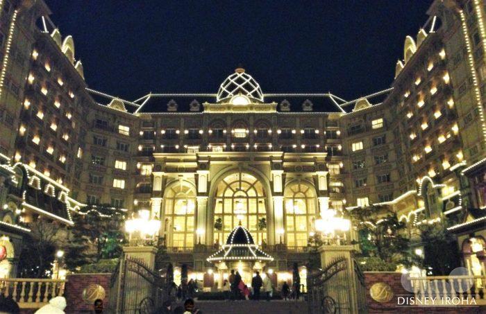 メンバーはディズニーホテルの一部の部屋の宿泊料金が10%オフ