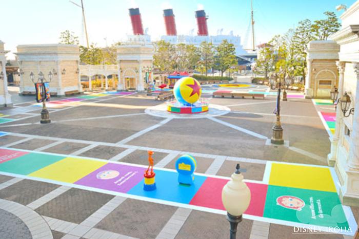 巨大なゲームボードと化したウォーターフロントパーク