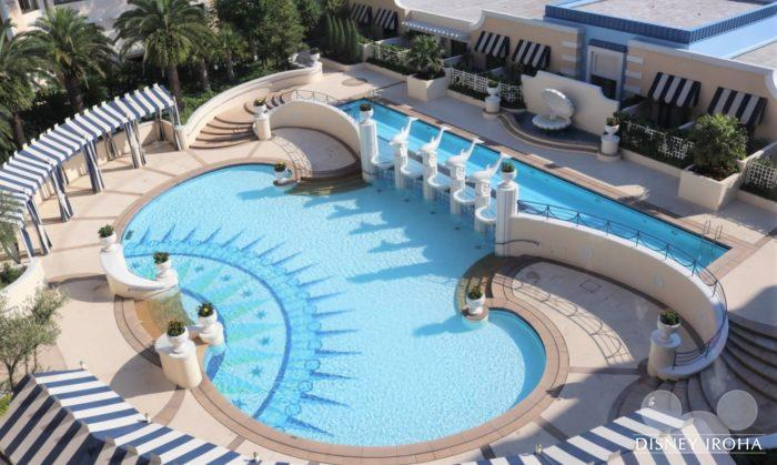 アンバサダーホテルの屋外プール「パームガーデン・プール」