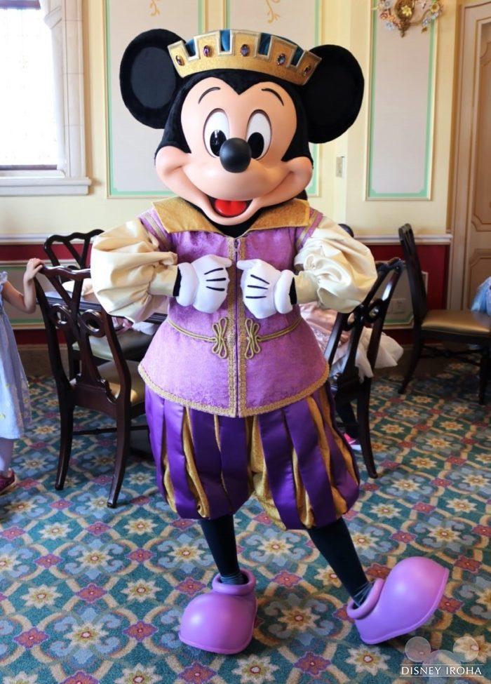 ロイヤル・バンケット・ホールで会えるミッキーマウス