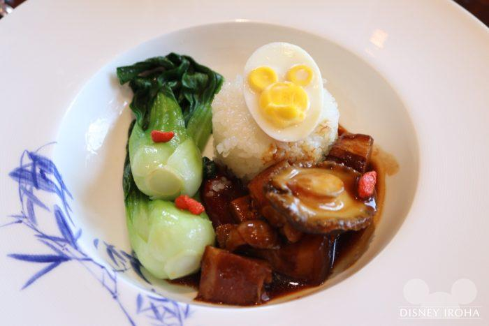 子供メニュー:メイン料理「Braised Abalone and Pork Belly in Soya Sauce」