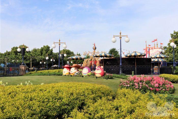 宿泊特典「エキストラ・マジック・アワー」を利用すれば開園1時間前からパークで遊べる