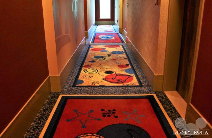 ウッディ棟の廊下