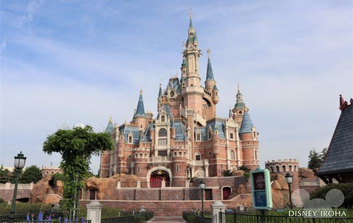 エキストラ・マジック・アワーを利用すれば誰もいないお城を撮影できる