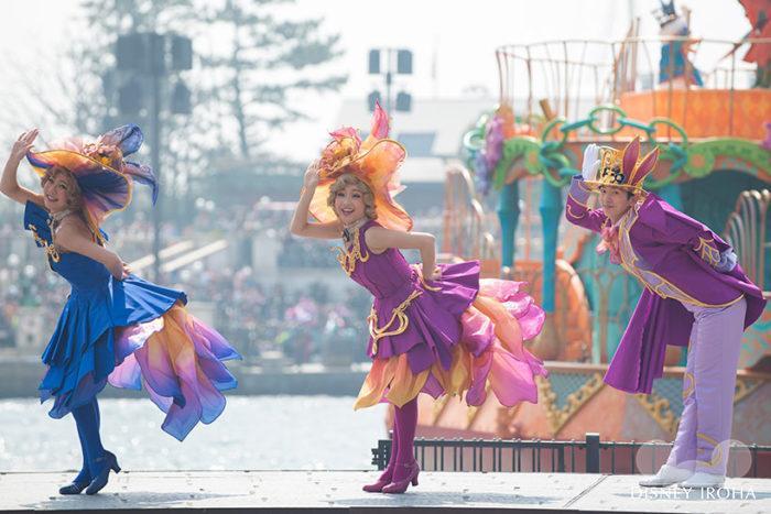 仮装の対象:エンターテイメントプログラムに出演するダンサーや出演者